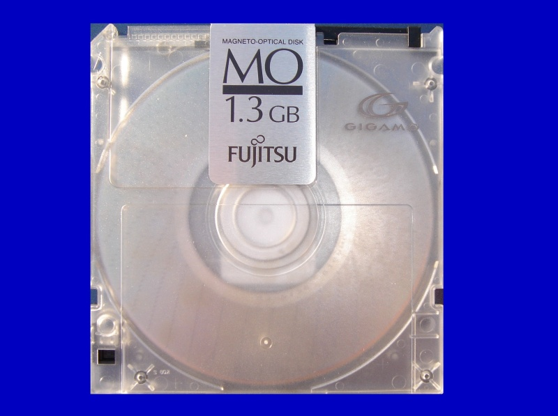 A Teijin 640mb MO disk