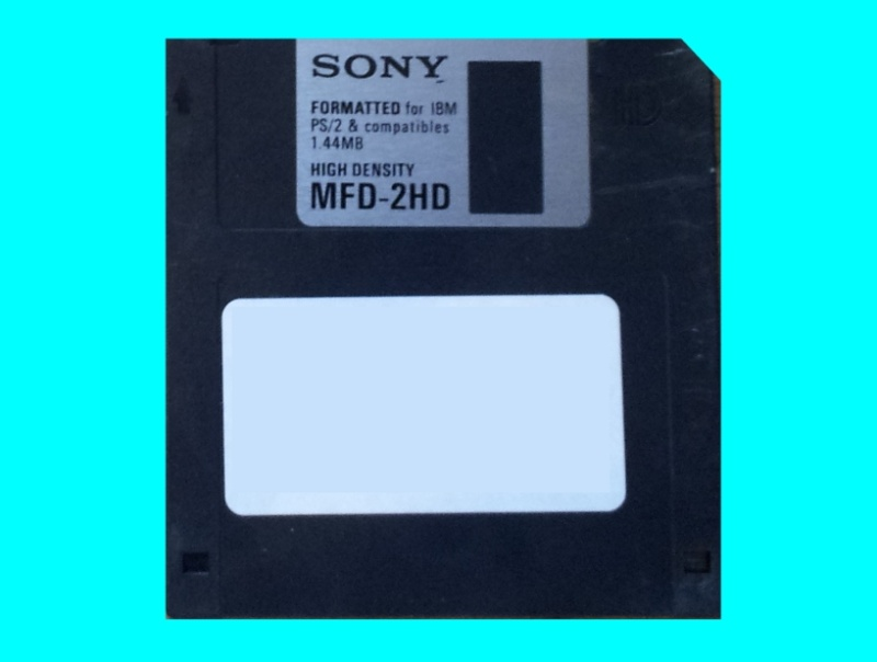 An old mac floppy disk needing conversion to view the files on windows pc computer. It was used in an Apple Mac.