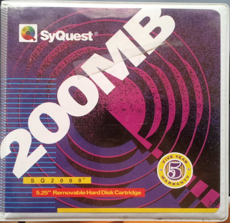 Syquest SQ2000 200MB Removable Hard Disk Cartridge for file transfer