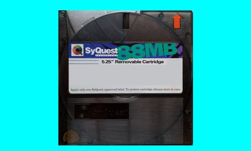 Apple Mac formatted Syquest disk which is ready for transfer files to CD.