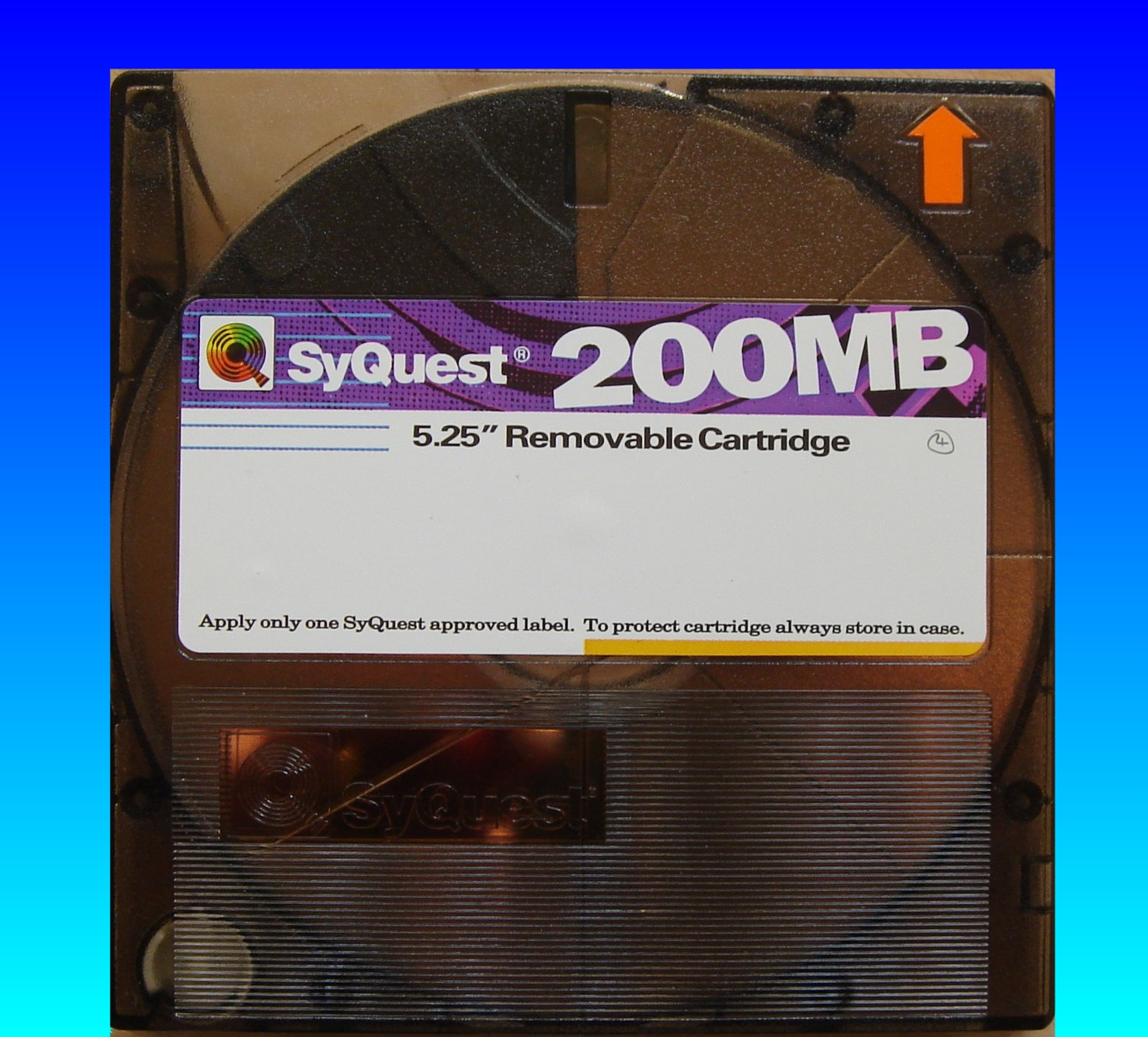 A Syquest 200mb 5.25 inch cartridge that was used in an Apple Mac, and needs to transfer the files.