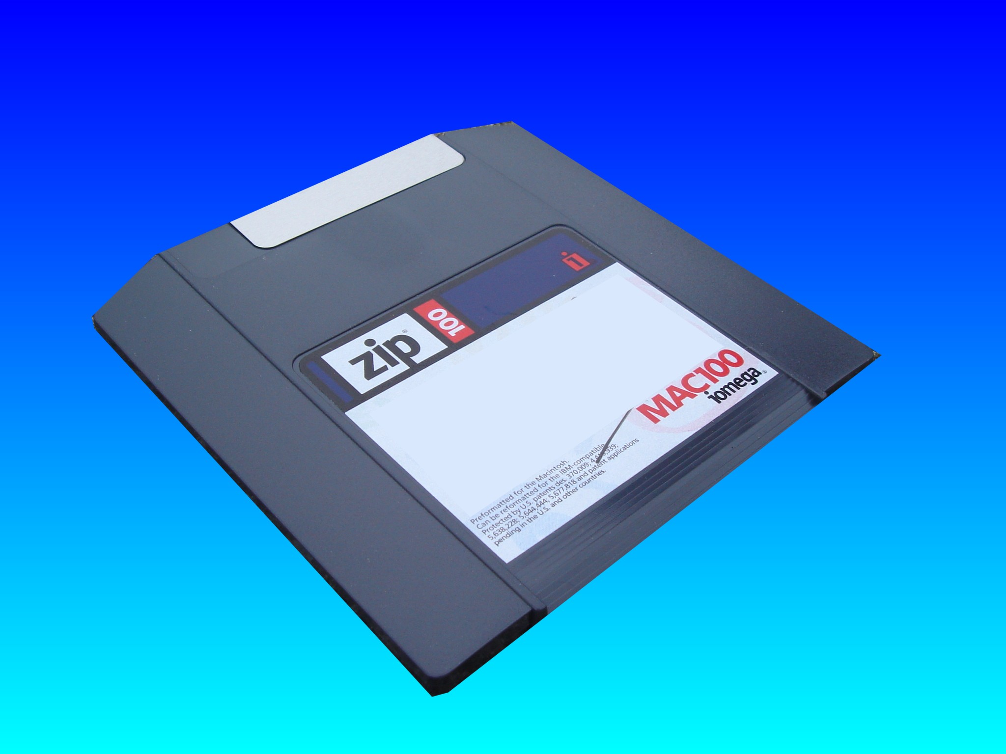A Mac100 Zip disk with 100mb capacity.